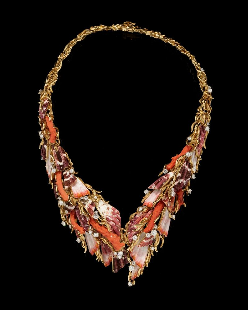 Gilbert Albert. Parure with necklace, ring and ear clips. Red coral, coloured shells.